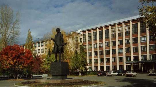 Главный корпус АлтГТУ